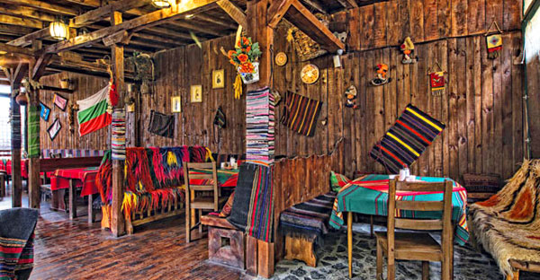 Traditional Bulgarian restaurant Mamin Kolyo